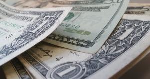 dollars-426023_640