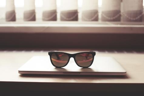 glasses-864961_640