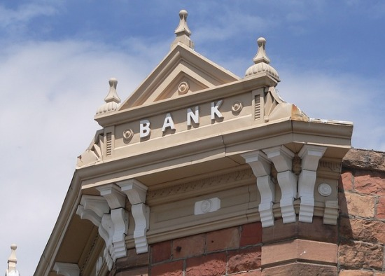 bank-hotel-895112_640
